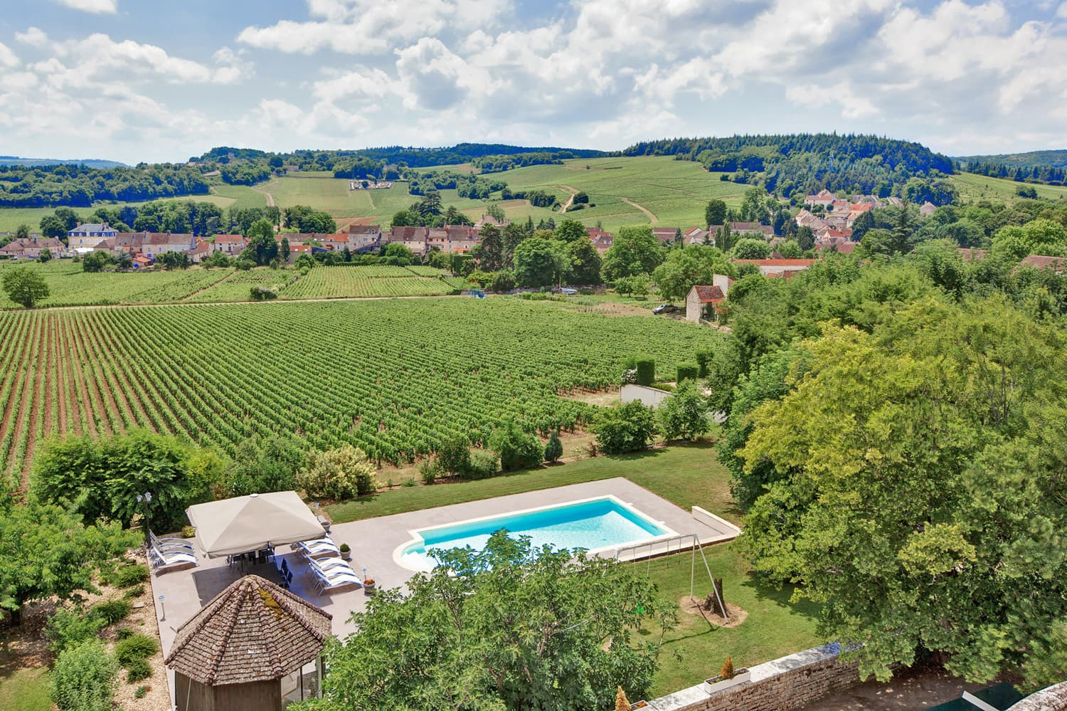 Vacation rental châteaux with private pool in Burgundy with countryside views | Château Saône