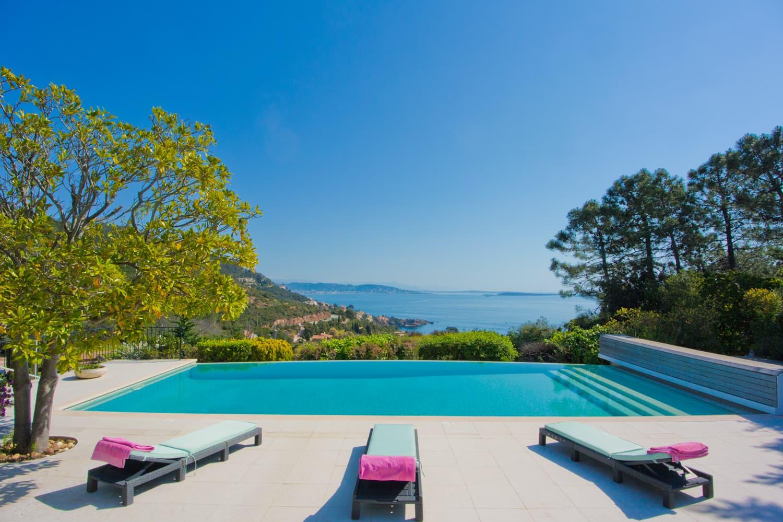 Villa de vacances sur la Côte d'Azur avec piscine privée et vue imprenable | Villa Saint-Honorat