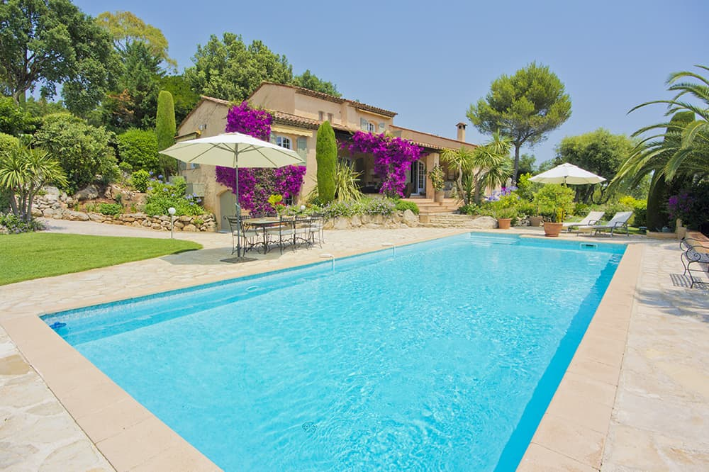 Holiday villa in Provence with private pool and terrace