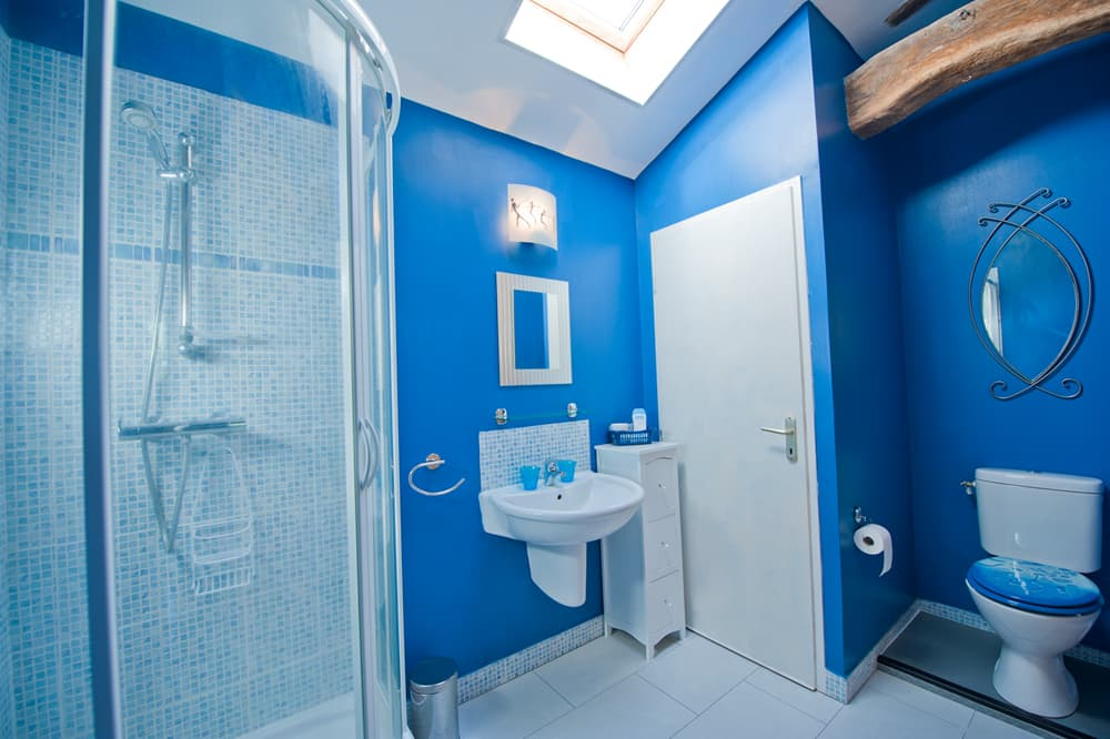 Bathroom in West France rental accommodation