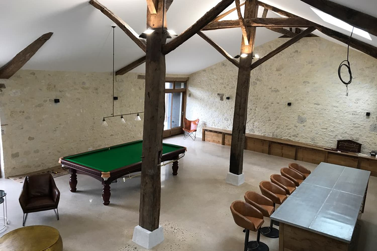 Barn conversion with snooker table, bar and home cinema