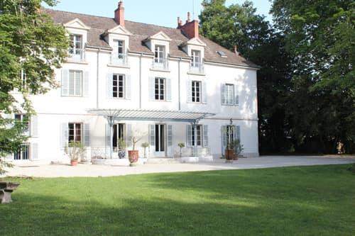 Holiday château near Tailly, Bourgogne Franche-Comté