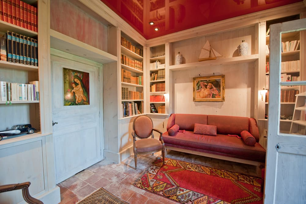 Library in South West France holiday home