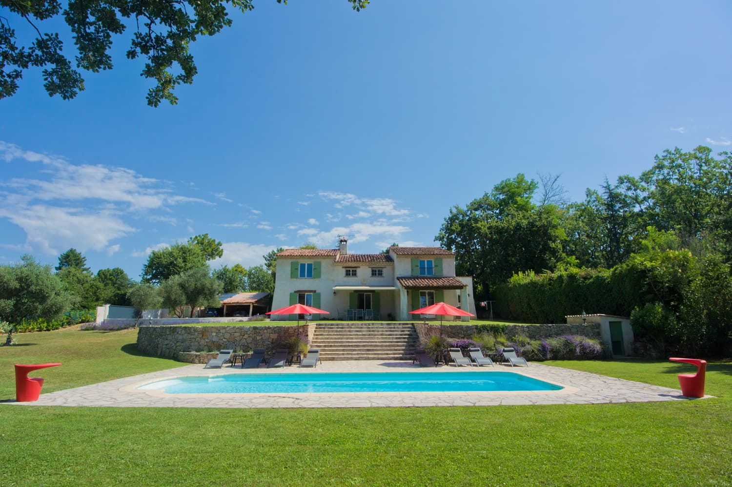 Holiday home in Provence with private pool and lawned garden