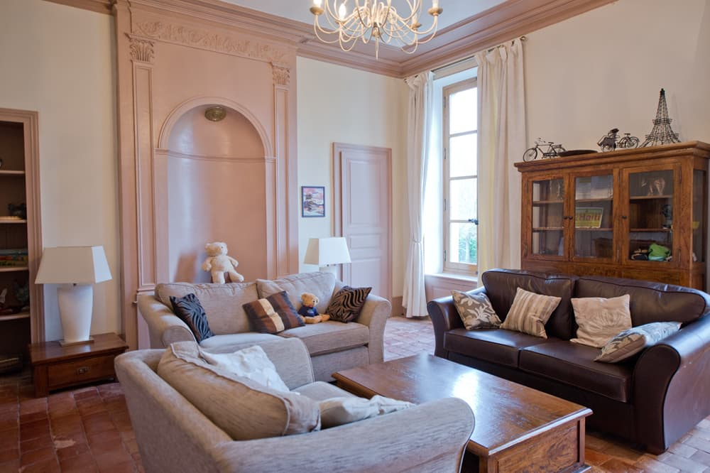 Living room in Loire rental château