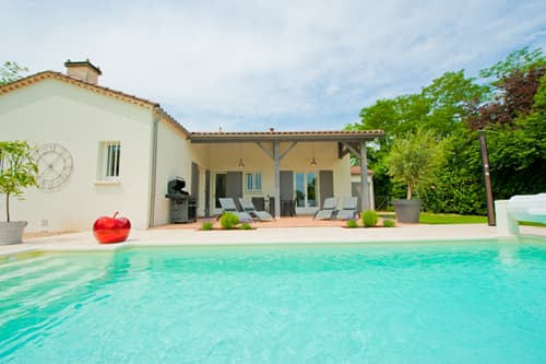 Holiday villa in Dordogne with private pool