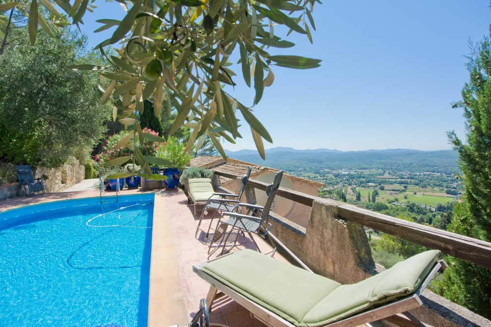 Private pool with terrace and Provence countryside views
