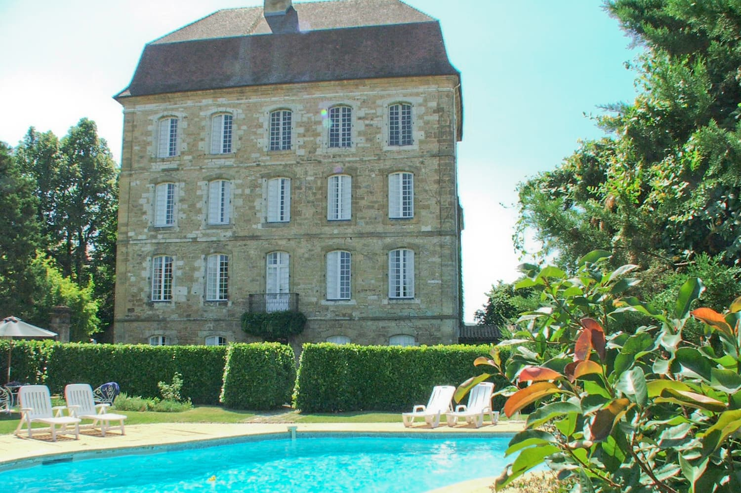 Holiday château in Dordogne with private pool