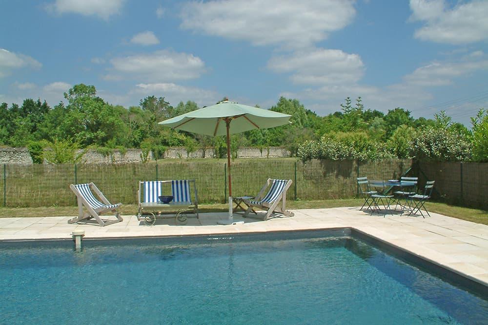 Private pool with terrace near Varennes-sur-Loire, Pays de la Loire
