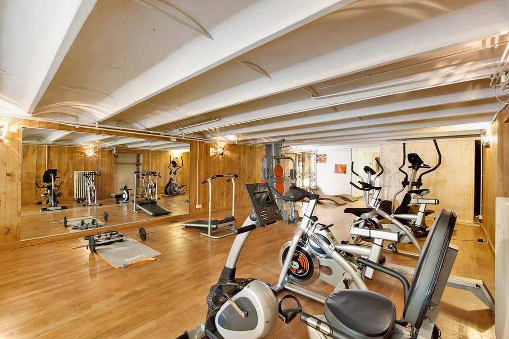 Gym in Burgundy holiday château