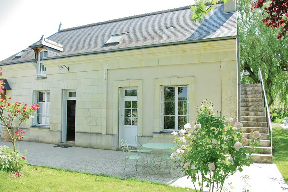 Holiday home near Bourgueil, Centre-Val de Loire, with private, heated pool