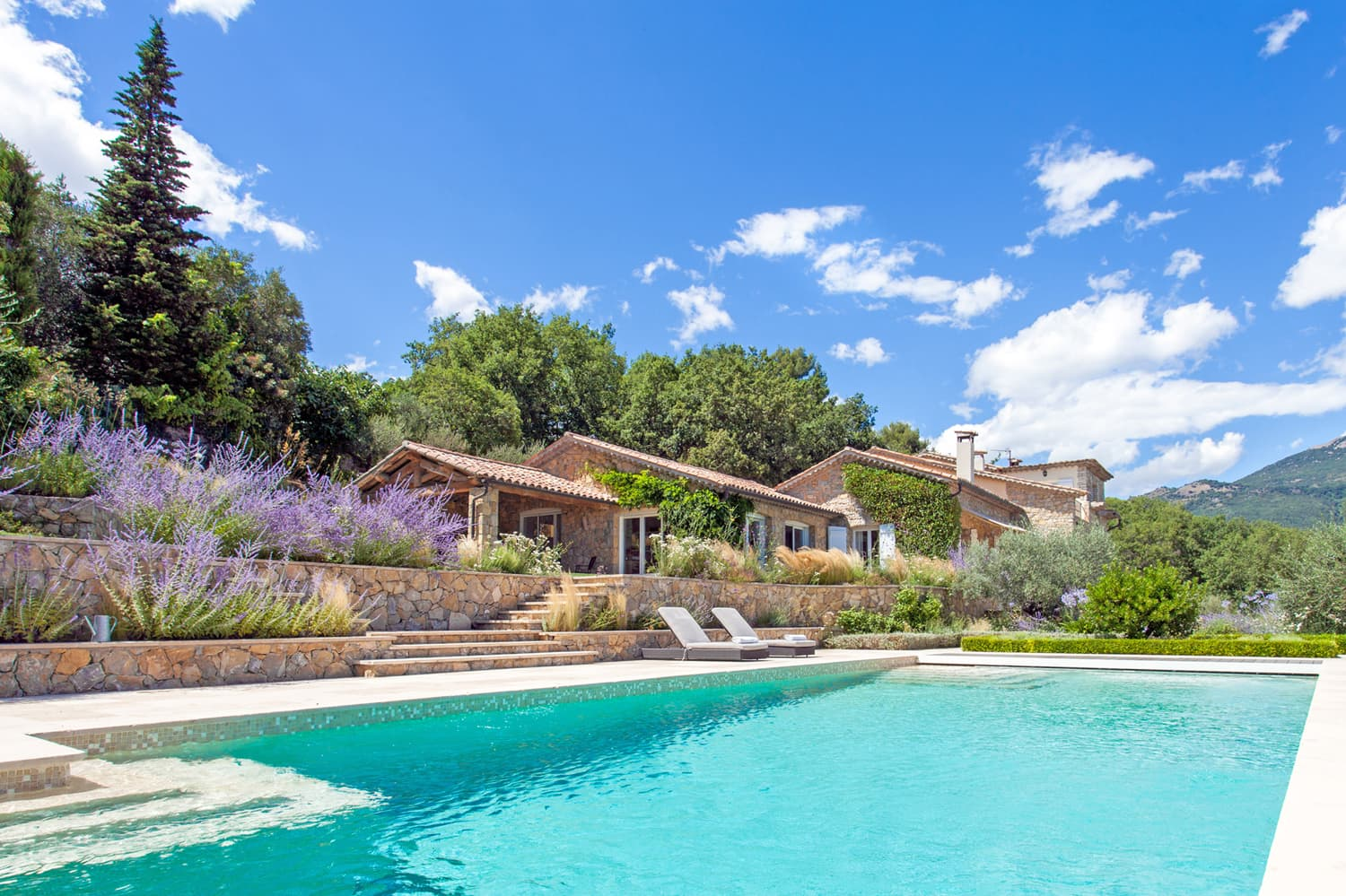Holiday villa in Provence with private, heated pool