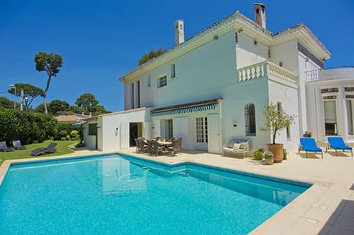 Holiday villa with private, heated pool in Provence