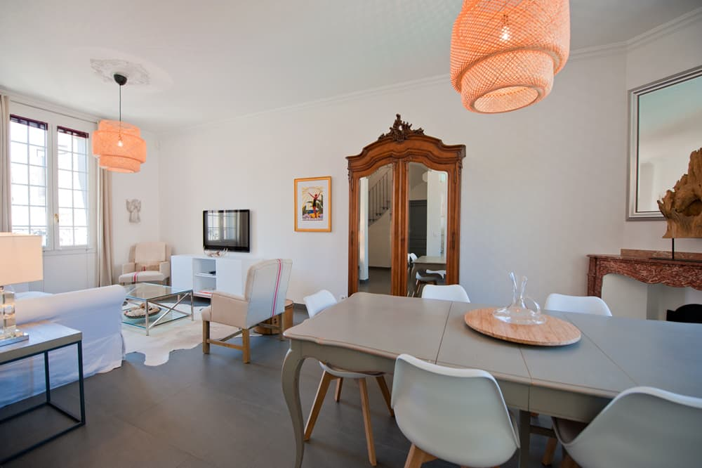 Dining room in Languedoc rental home