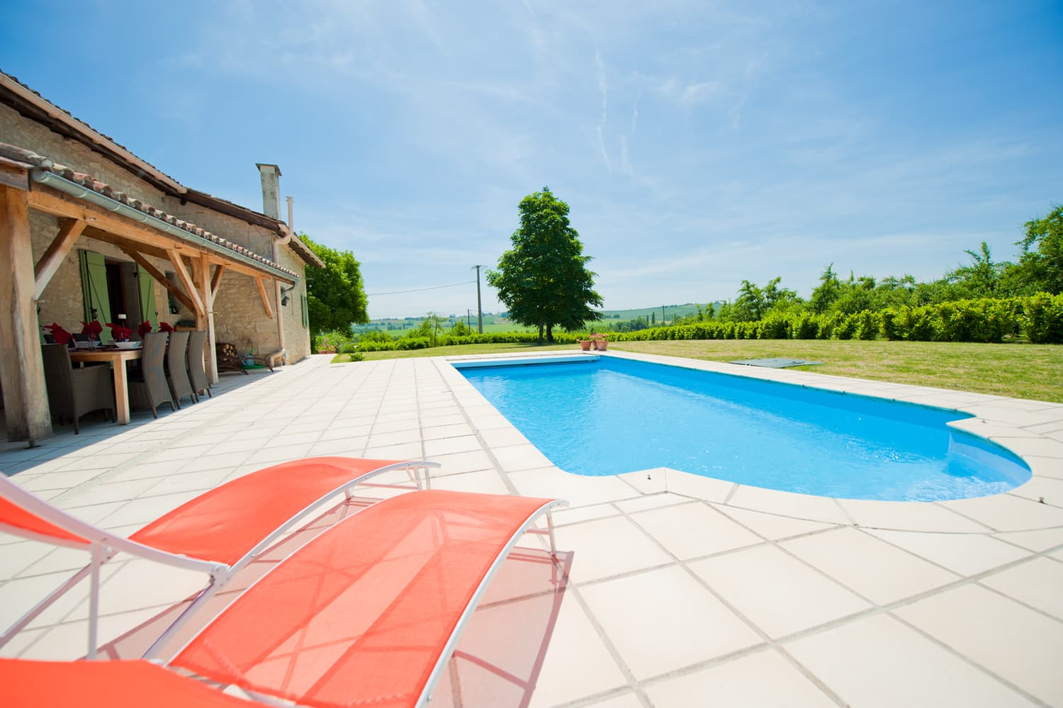 Rental home in Dordogne with private, heated pool and terrace