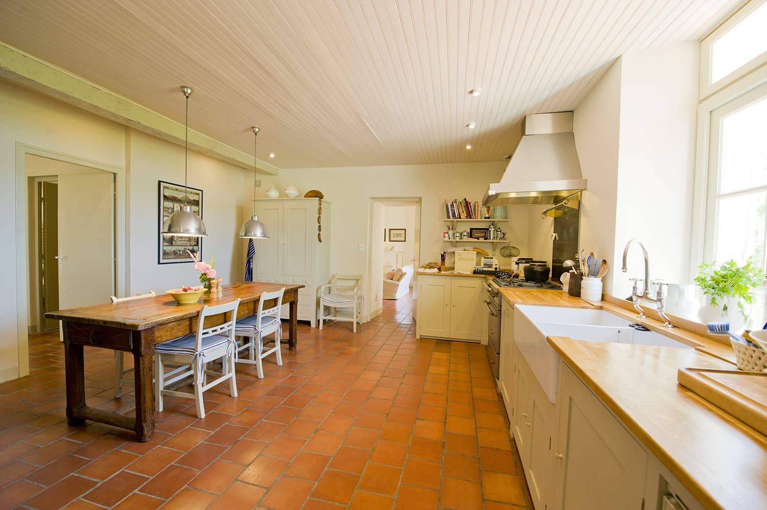 Kitchen in Puysserampion self-catering accommodation