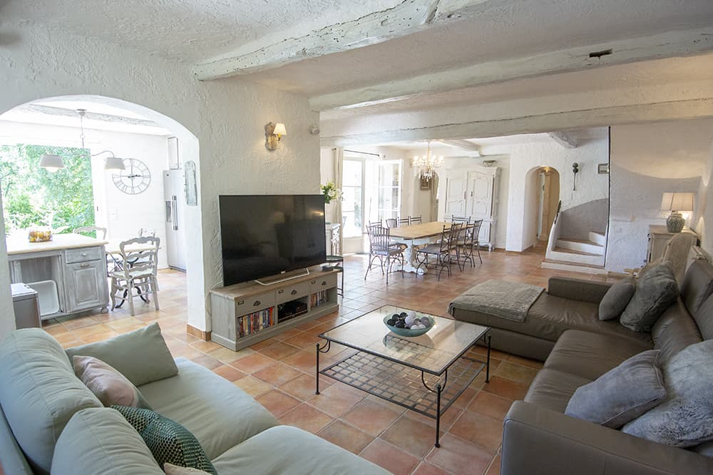 Living room in Tourrettes-sur-Loup holiday home
