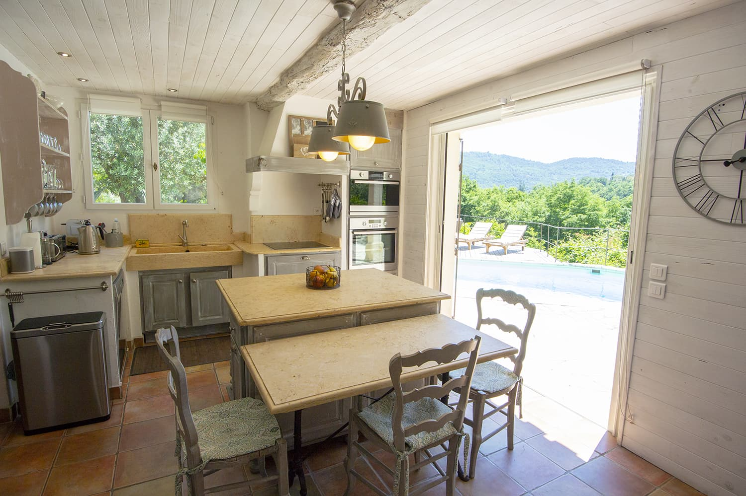 KItchen in Tourrettes-sur-Loup holiday home