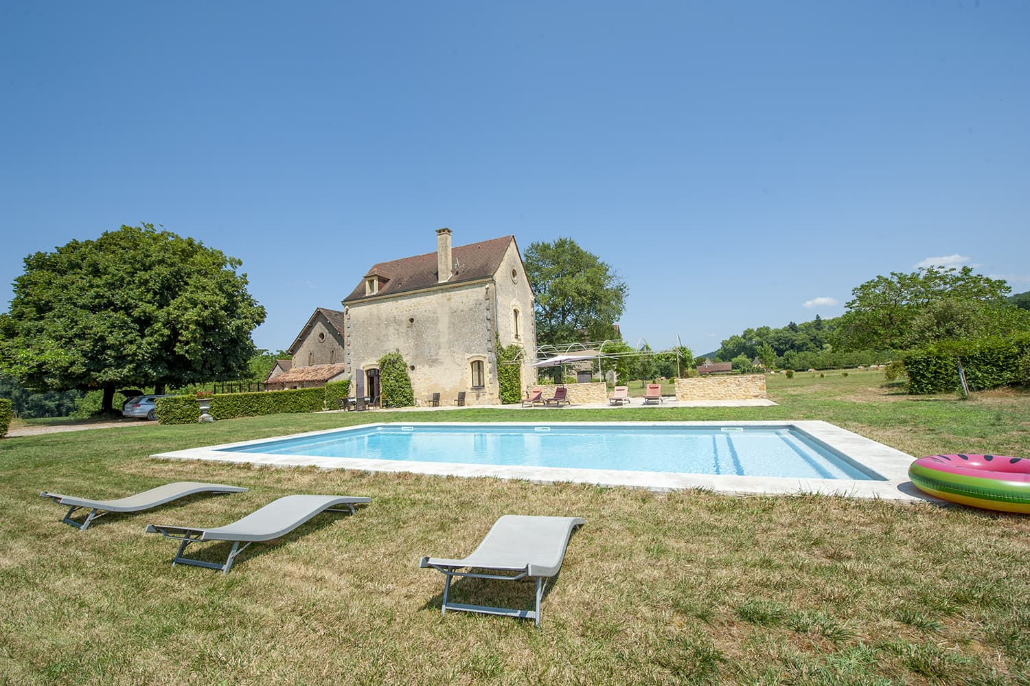 Holiday home near Domme with private pool and lawned garden