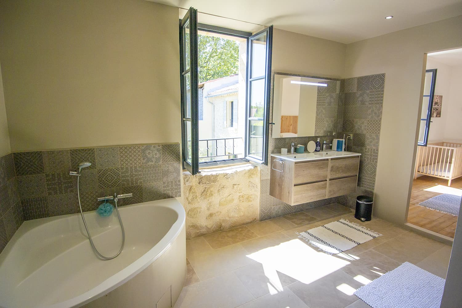 Bathroom in Provence-Alpes-Côte d'Azur holiday home