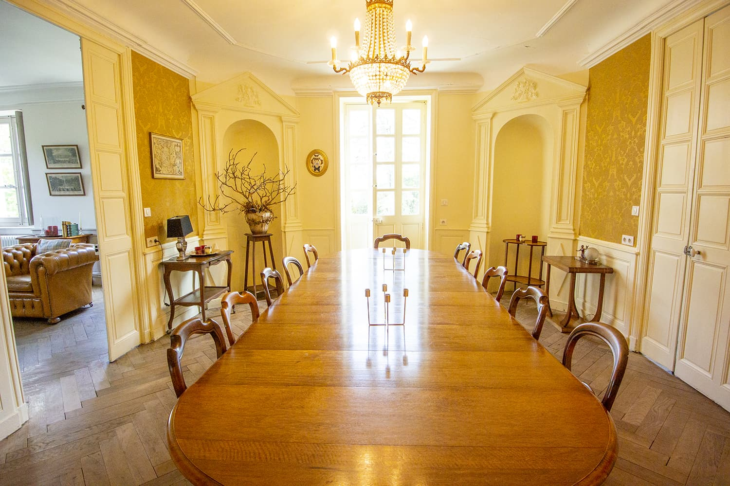 Dining room in Bourgogne-Franche-Comté self-catering accommodation