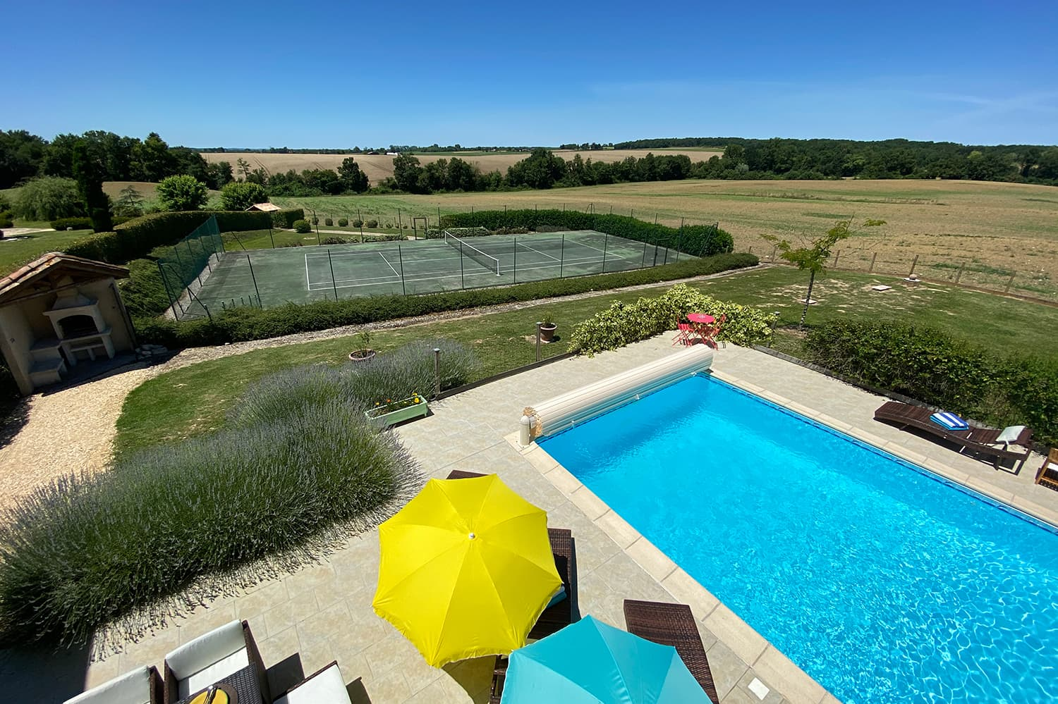 Private pool with private tennis court in Allemans-du-Dropt