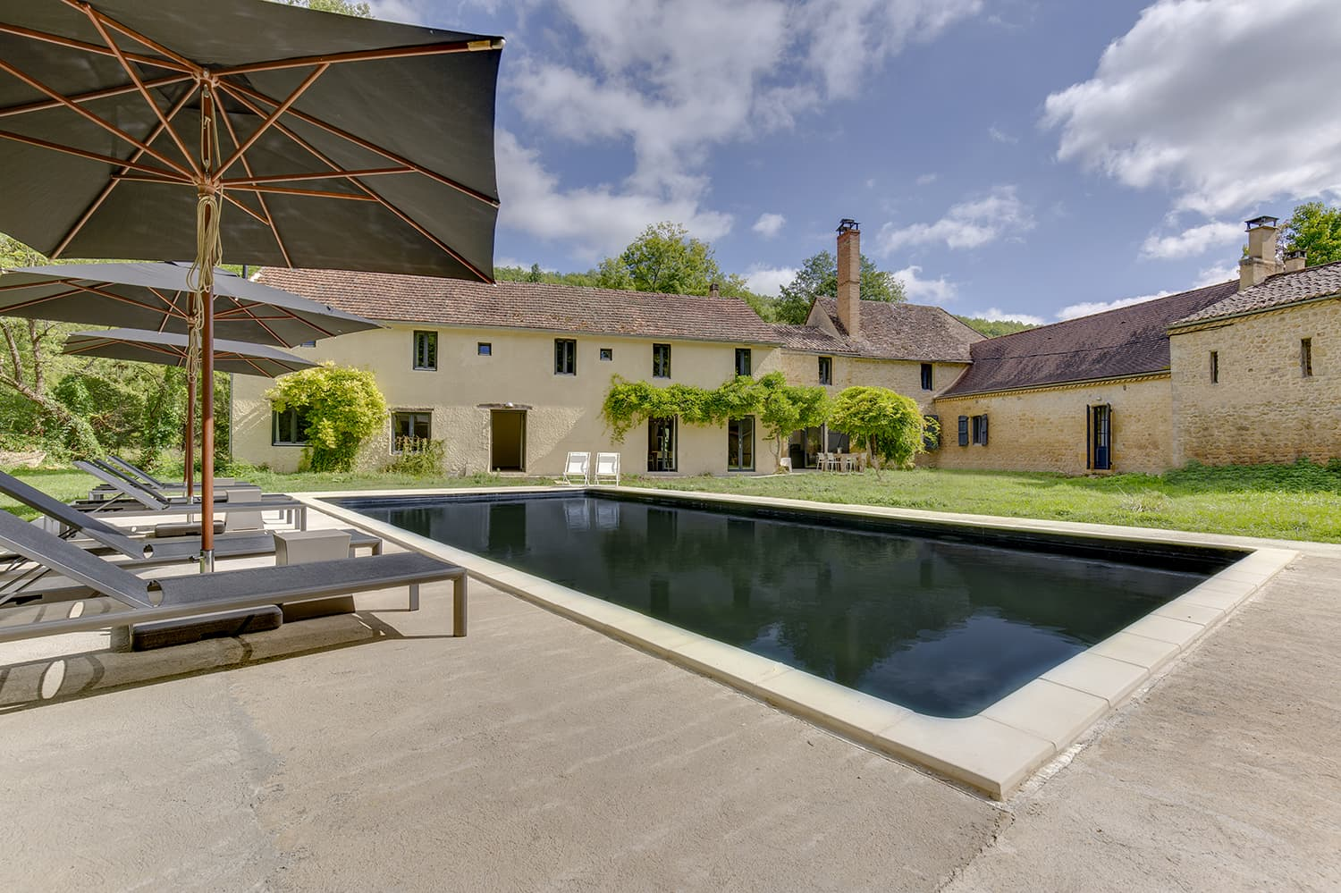 Holiday accommodation in Saint-Avit-Sénieur, Nouvelle-Aquitaine with private pool