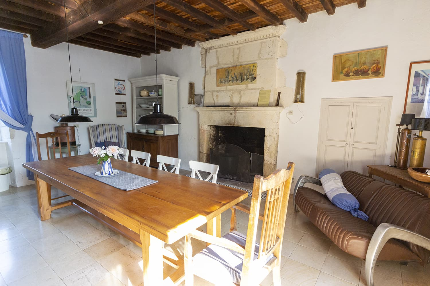 Dining area in Lusignac holiday accommodation