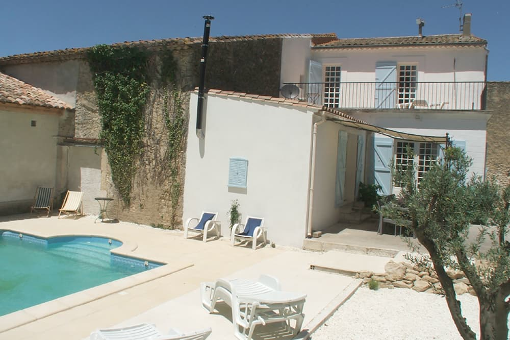 Vacation home in Languedoc with private, heated pool