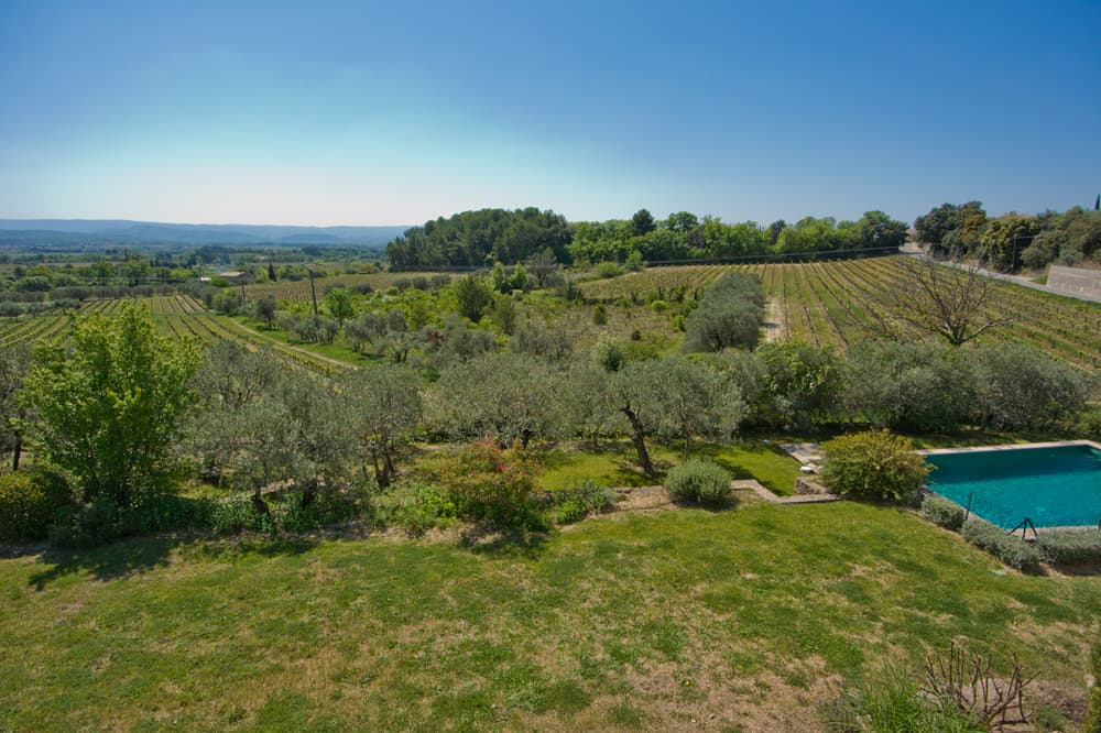 Garden and Provence countryside views