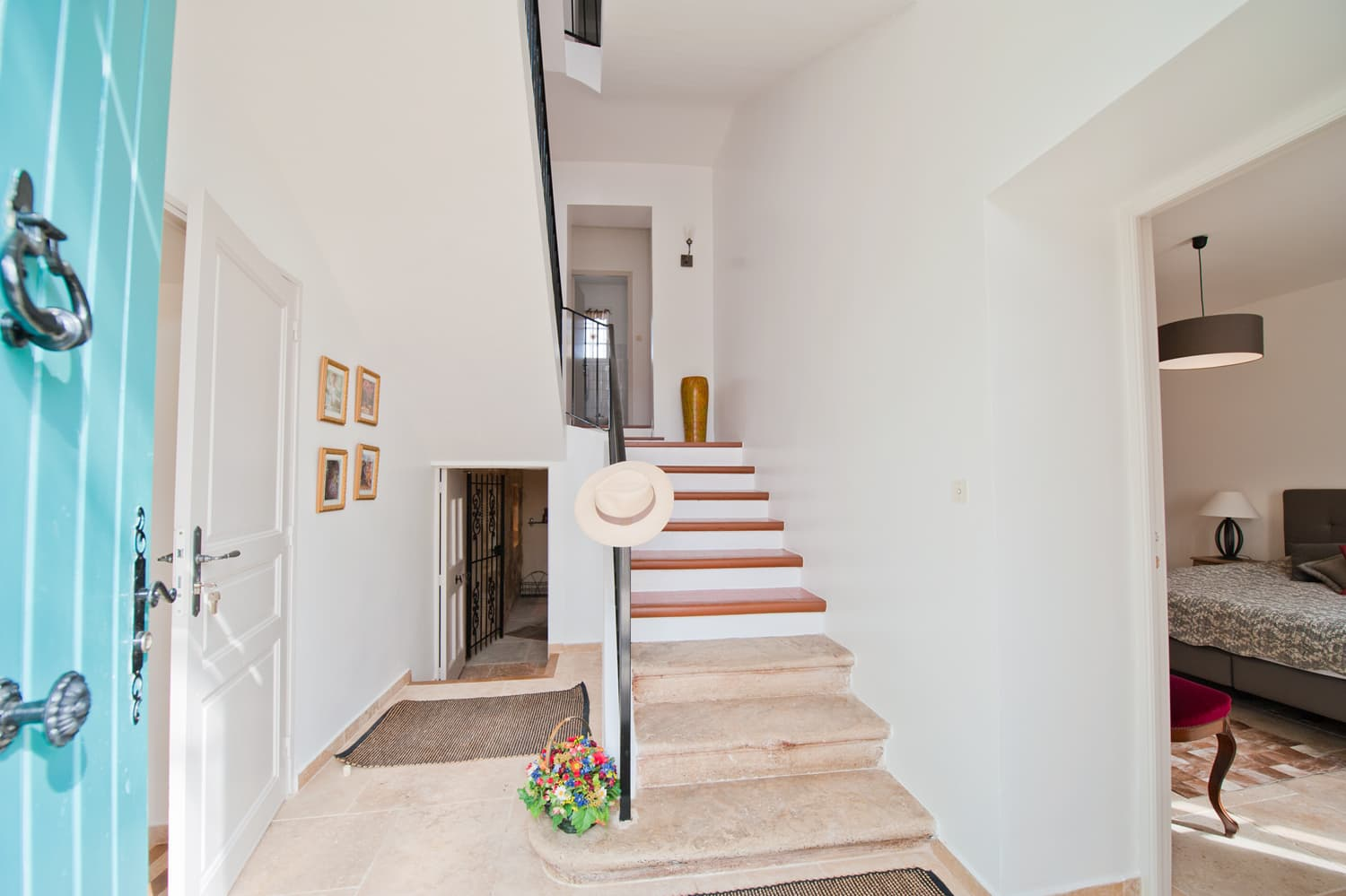 Staircase in Provence rental accommodation