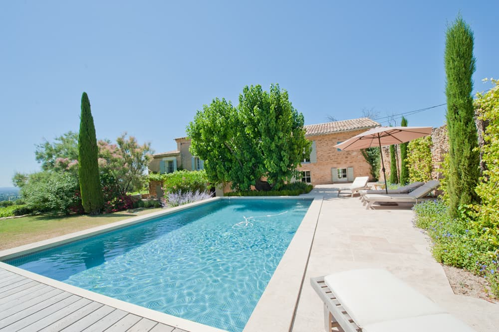 Provence self-catering home with private, heated pool