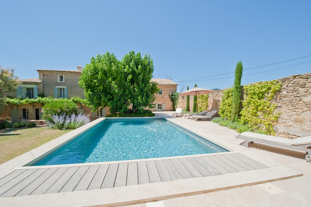 Self-catering home in Provence with private, heated pool