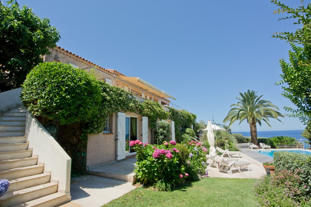 Holiday villa in Corsica with private, heated pool