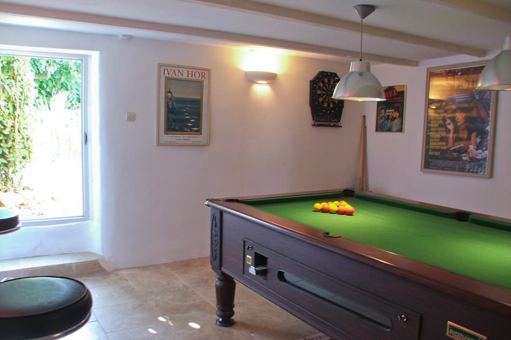 Snooker table in Provence holiday accommodation