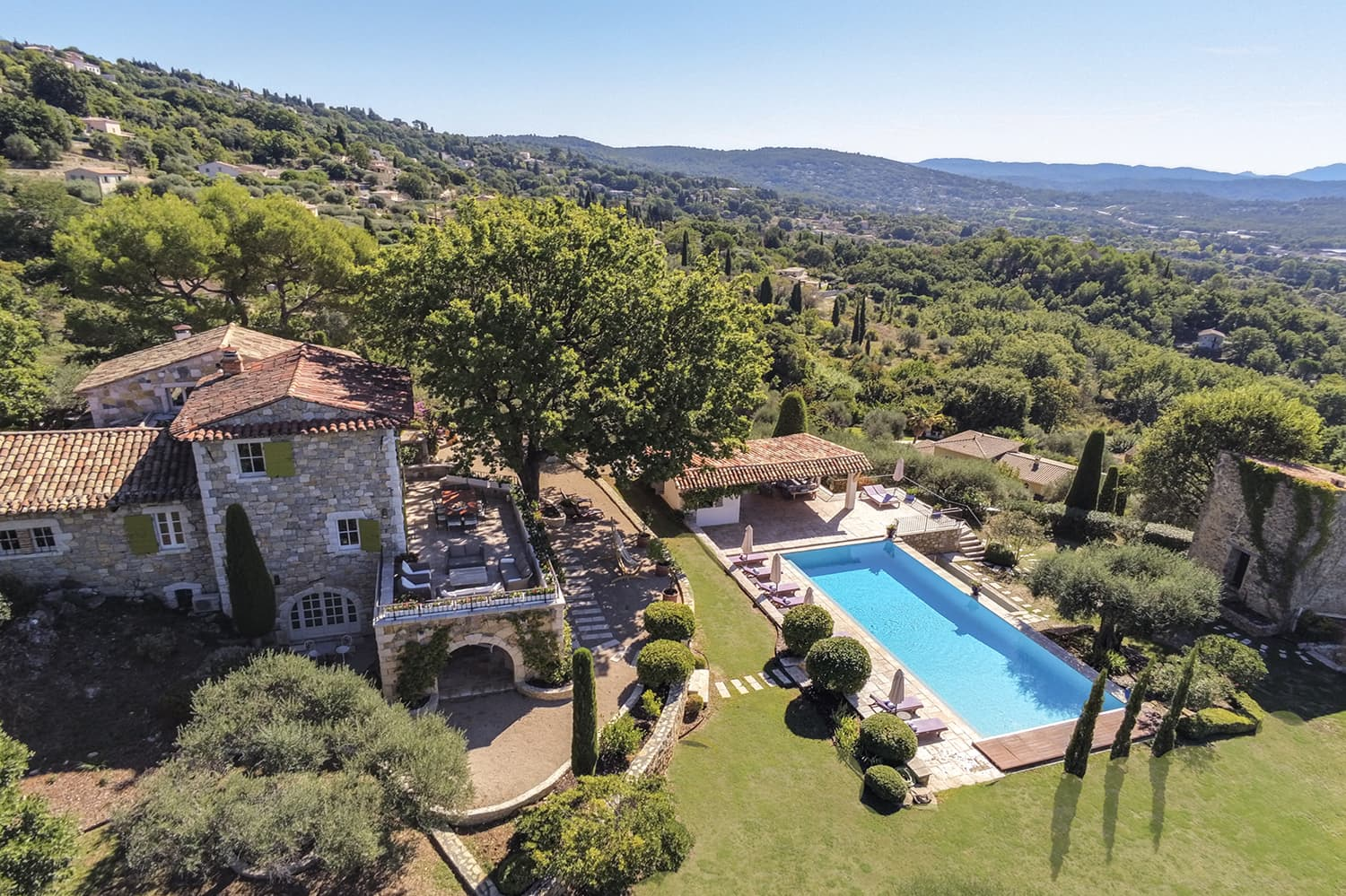 Holiday accommodation in Montauroux, Provence-Alpes-Côte d'Azur with private, heated pool