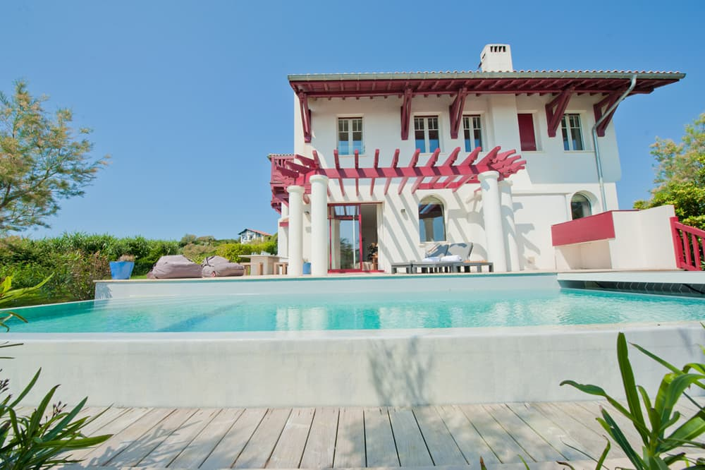 Holiday villa in Biarritz with private, heated pool