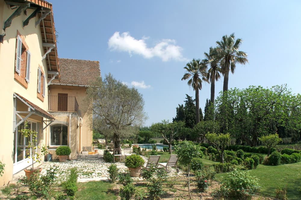 Holiday home in Provence with terrace and garden