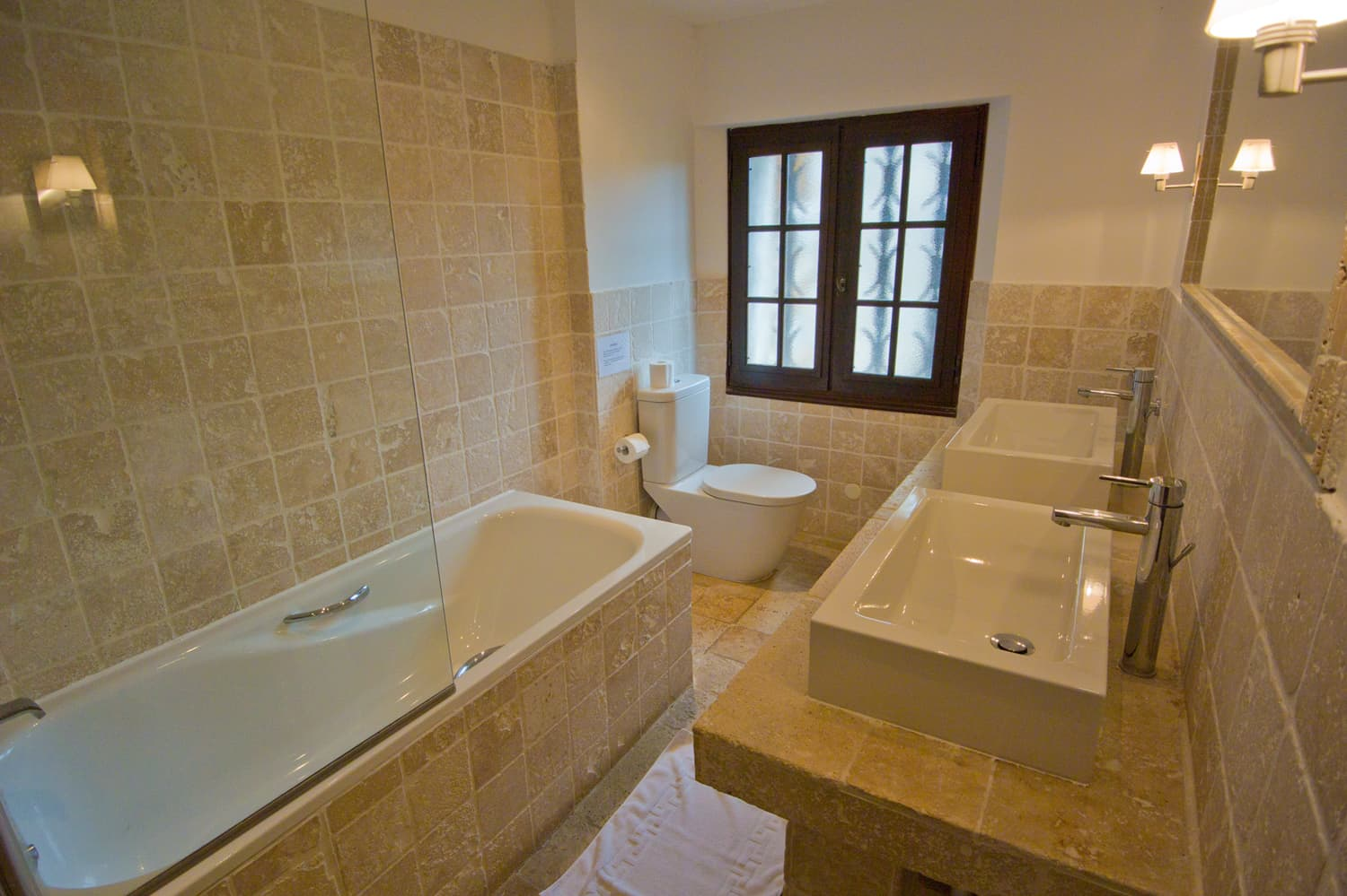Bathroom in Provence holiday home