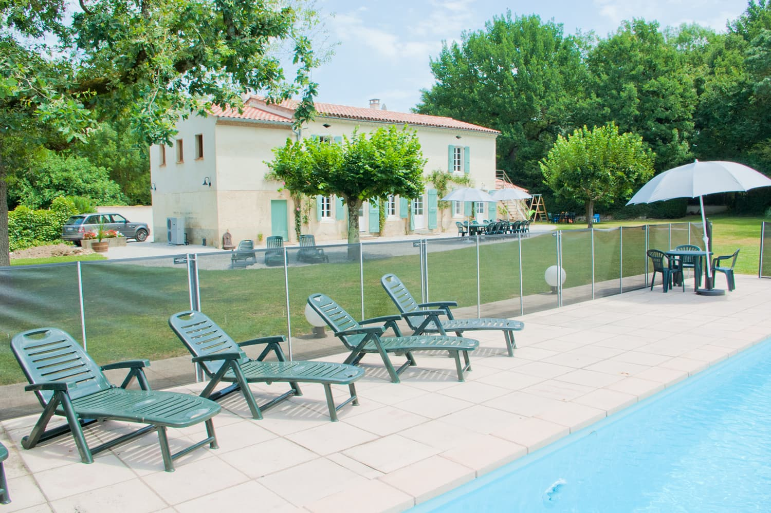 Holiday accommodation in South West France with private, heated pool