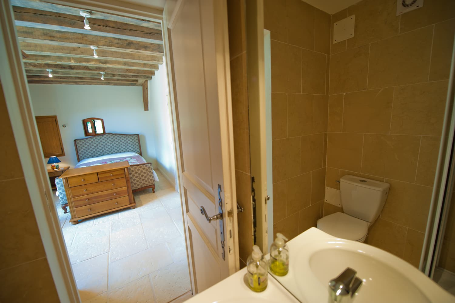 Bathroom in Dordogne holiday villa