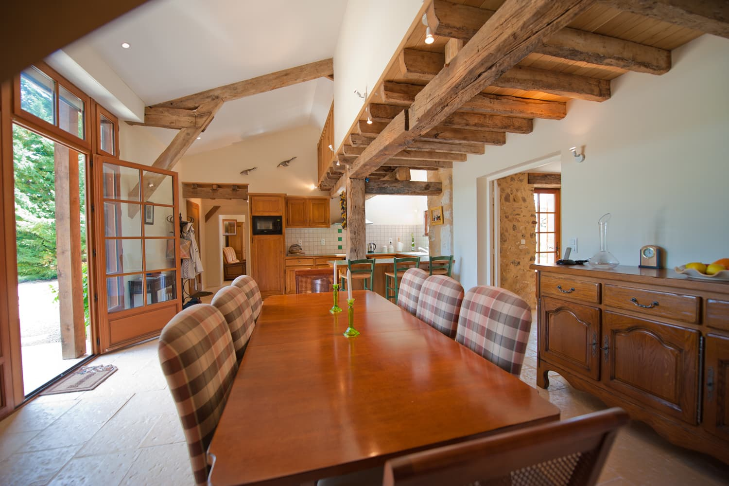 Dining room in Dordogne holiday villa