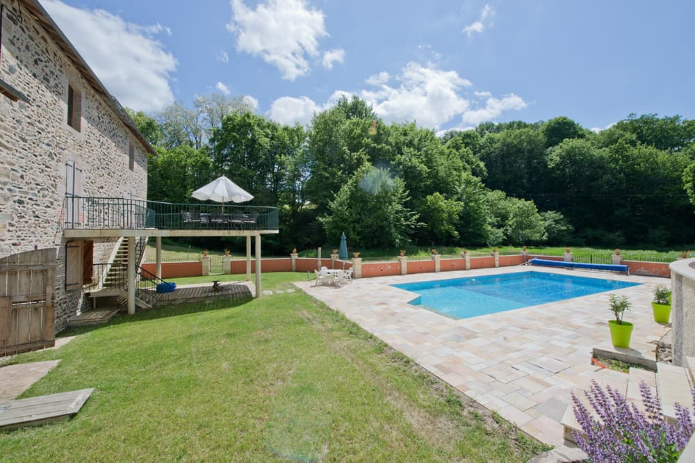 Holiday home in South West France with private pool and terrace