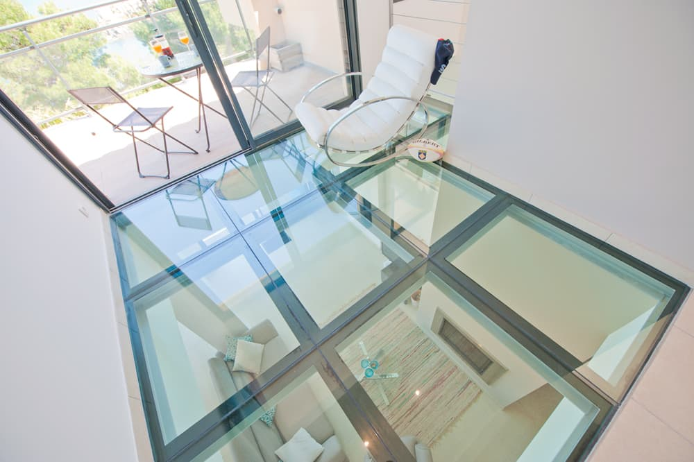 Glass floor in Collioure holiday villa