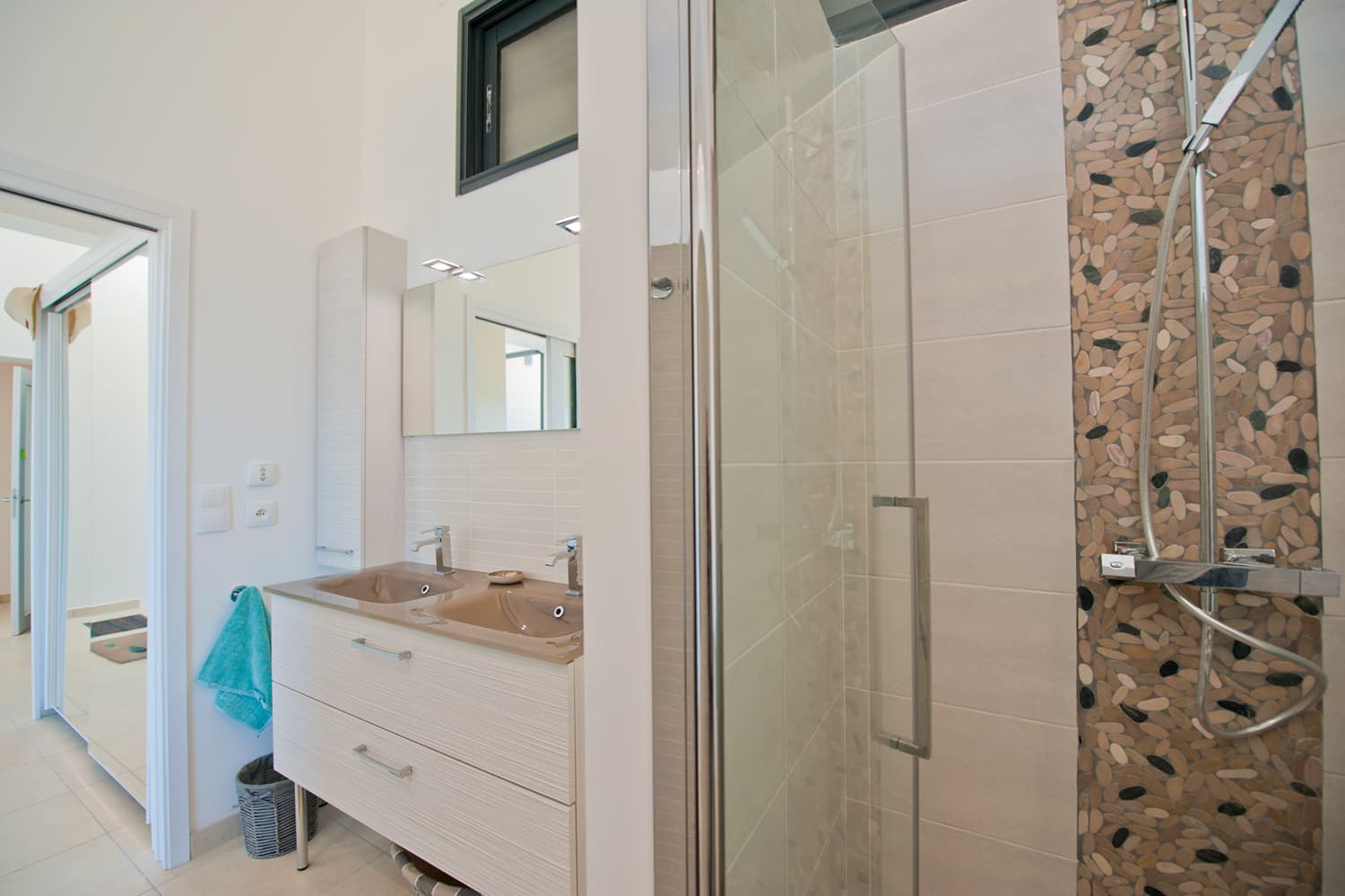 Bathroom in Collioure holiday villa