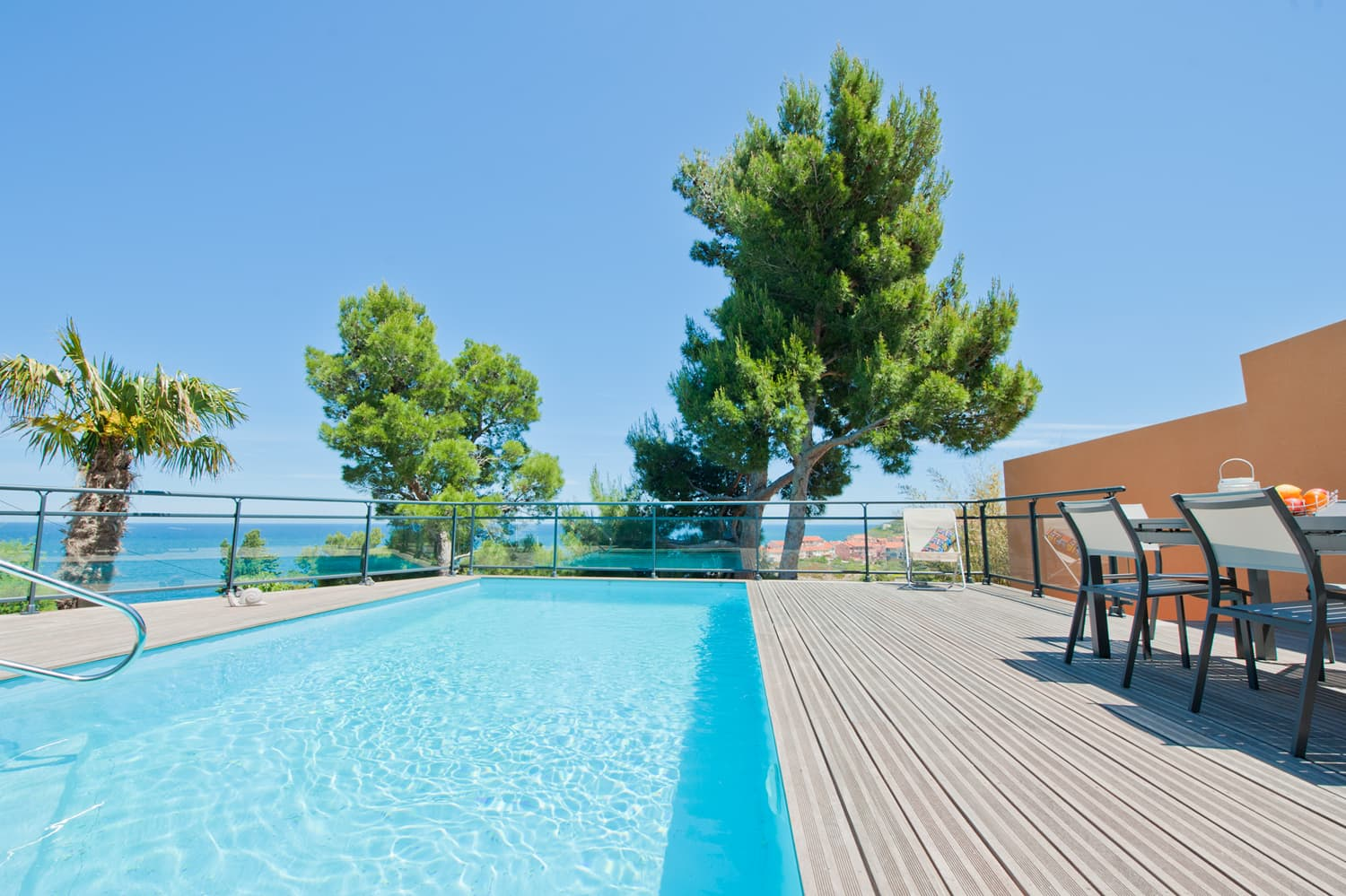 Private pool with Mediterranean Sea views in Collioure