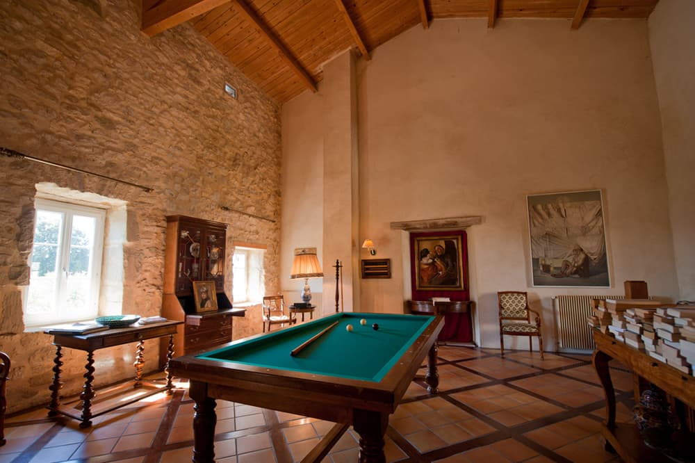 Snooker table in Languedoc holiday accommodation