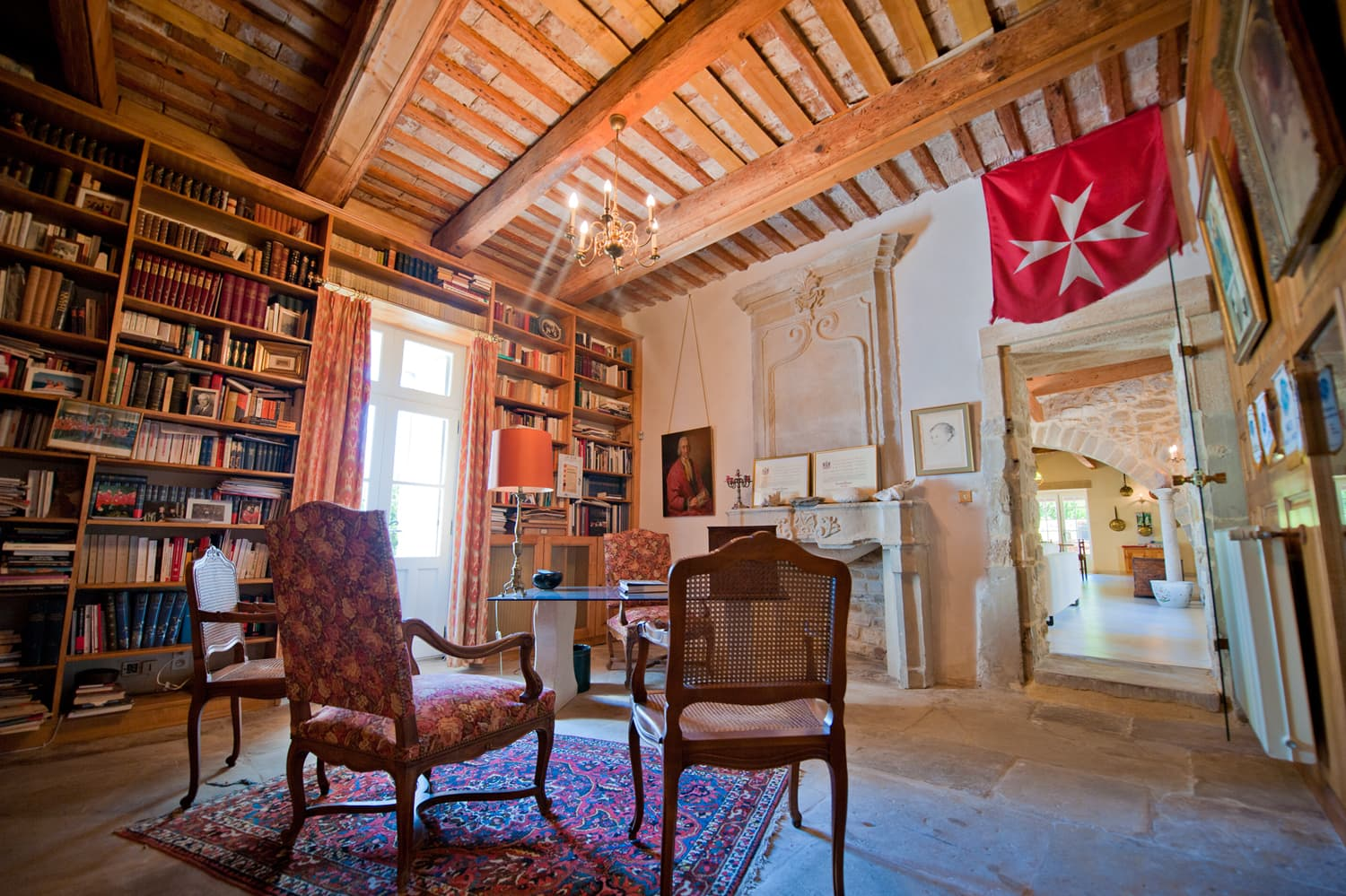 Library in Languedoc holiday accommodation