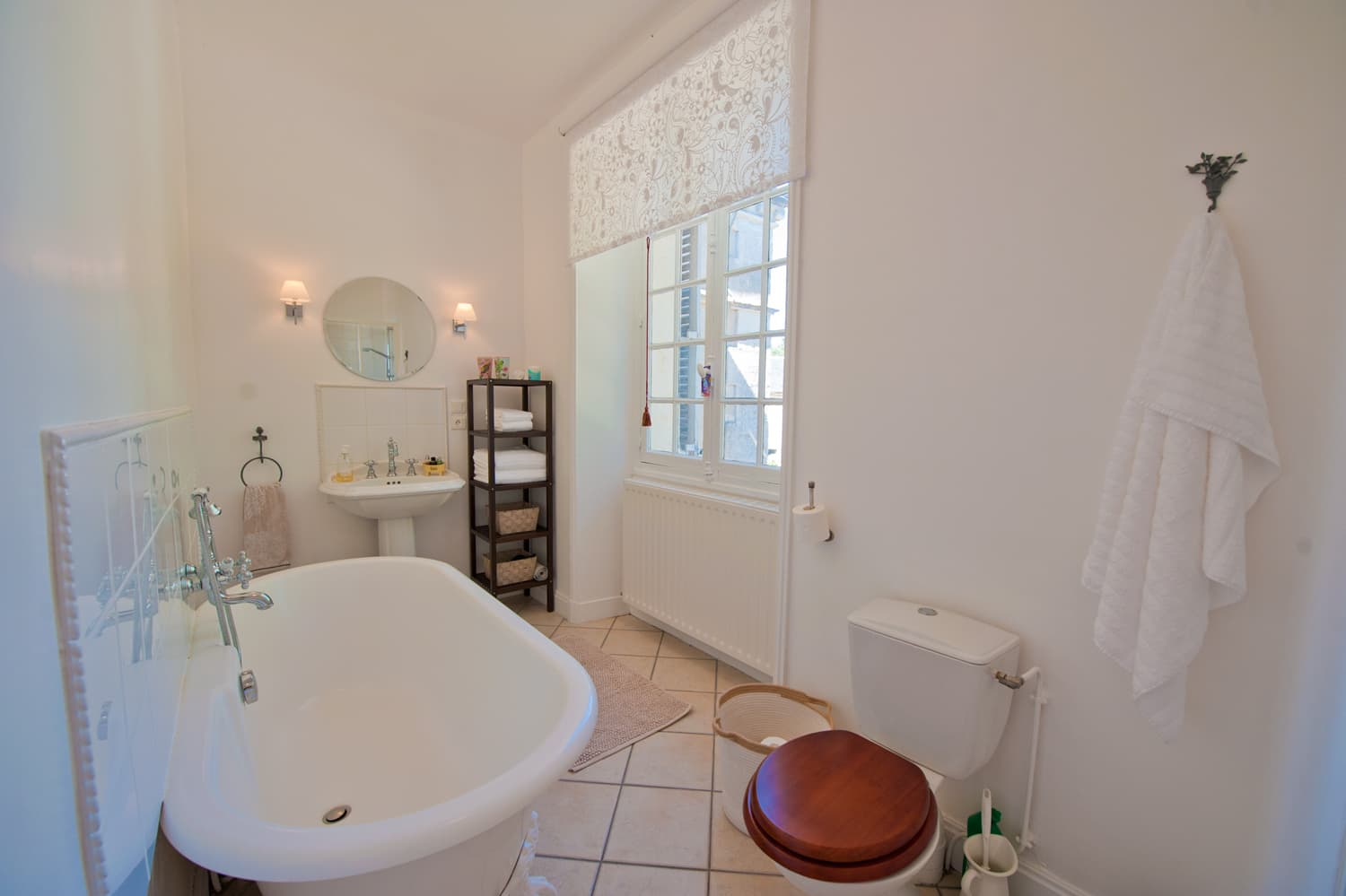 Bathroom in Languedoc holiday château