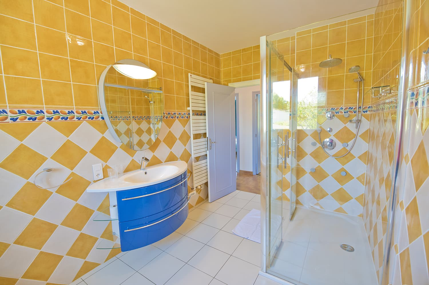 Bathroom in Dordogne self-catering home